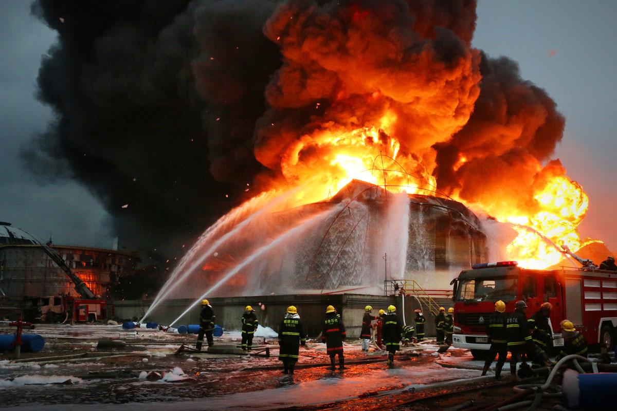 违反电气安装使用规定等引发的火灾共2.4万起