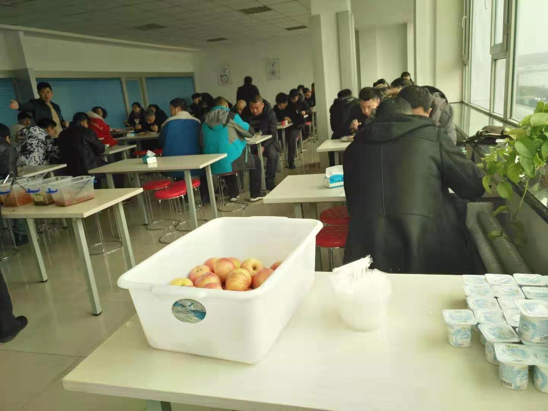 红英培训学校食堂