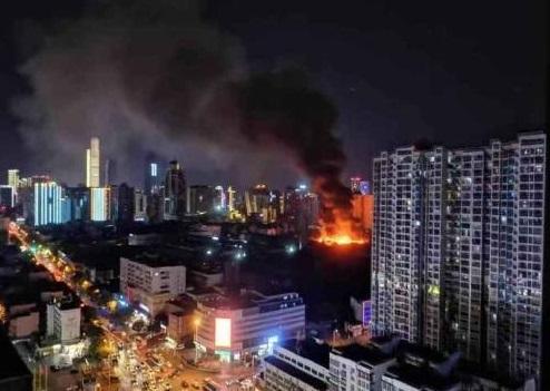 长沙市人民中路原曙光电子管厂一废弃车间发生火灾